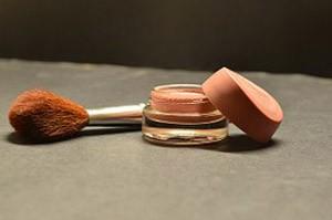 cosmetics-166774__180